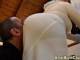 ass porn - Bigass slut sits on face