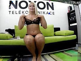 girl porn - Glamour girl striptease