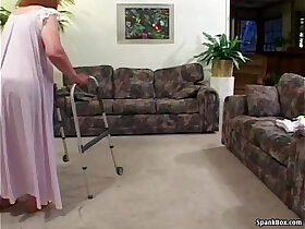 granny porn - Granny loses her teeth while sucking
