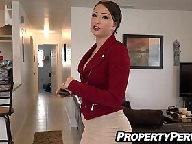 agent porn - Sexy big ass real estate agent fucking client for the sale