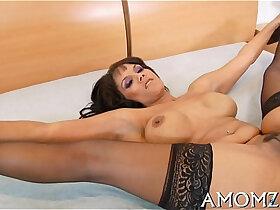 babe porn - Older babe goes wild in sex