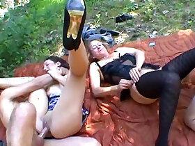 amateur porn - Arab and cougar squirt orgasm!! French amateur