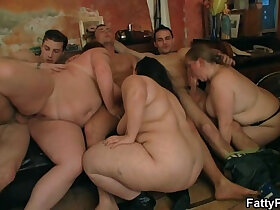 bbw porn - Group oral prelude and BBW sex in the pub