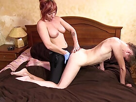 domination porn - FOOT FETISH AND LESBIAN FACESITTING DOMINATION
