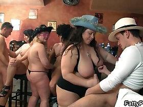 bbw porn - Group orgy in the pub