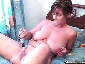 ass porn - Granny fucks pussy and asshole with huge dildos
