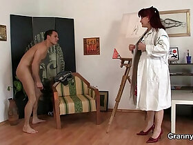 cock porn - Hot mature lady jumps on his cock