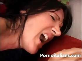 cougar porn - Mamma italiana scopata da ragazzo dal cazzo grosso Italian Milf getting fucked by guy