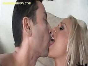 cuckold porn - Cuckold Wife Between Sucking