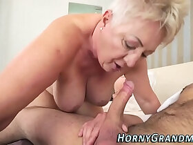 chubby porn - Chubby cougar mouthful