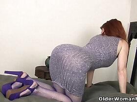 american porn - American milf Amber Dawn stuffs her pussy with dildo
