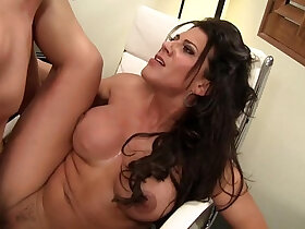 boss porn - Horny Cougar Gets cunt Fucked Until She Squirts