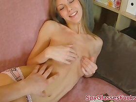 babe porn - Petite babe on spycam gets mouth fucked